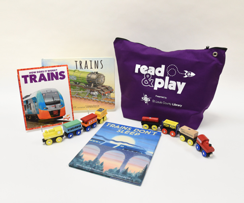 Read & Play Kit: Trains - three books on trains with a toddler toy train